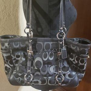 Coach short tote purse
